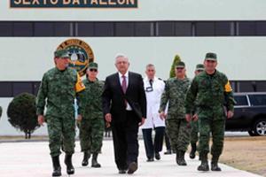 AMLO y militares en el gobierno